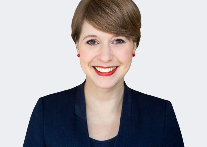 Susanne Lorenz lächelnd